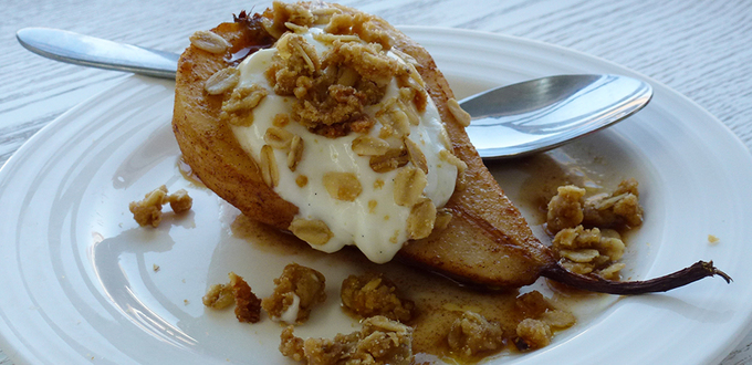 Cinnamon Baked Pears with Crumble