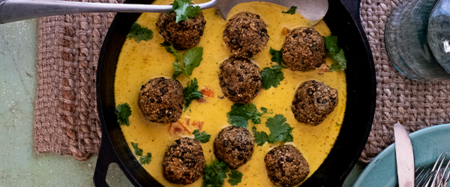Lentil & Quinoa Balls with Coconut Curry…