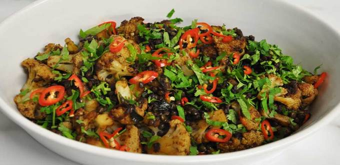 Cauliflower & Lentils in Horopito Black Pepper Sauce with Fresh Chilli, Coriander & Parsley