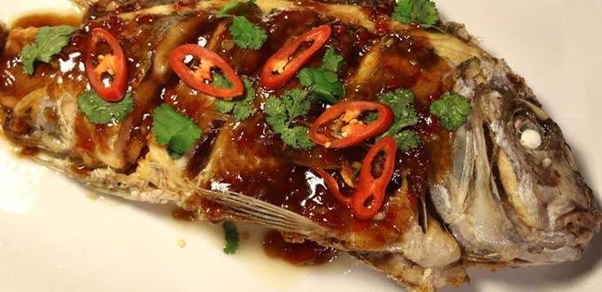 Deep-fried Snapper with Sticky Tamarind sauce