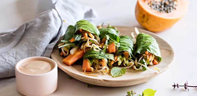 Pad Thai Rolls with Papaya, Herbs and Spicy Dipping Sauce